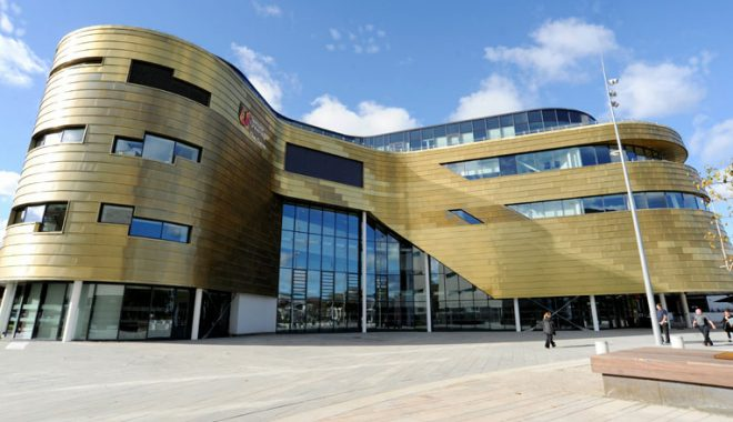 Teesside University Curve Building